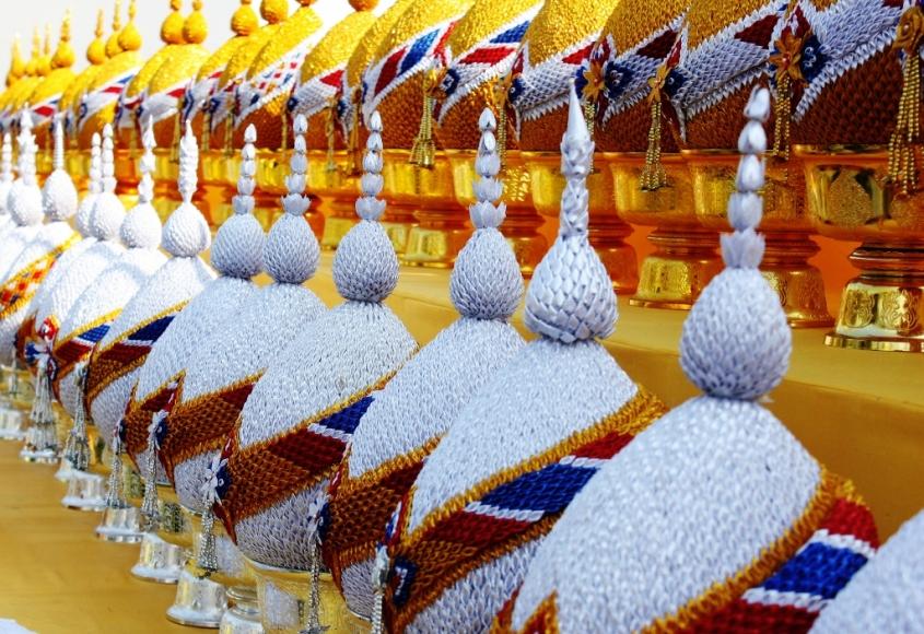Bangkok temple finery
